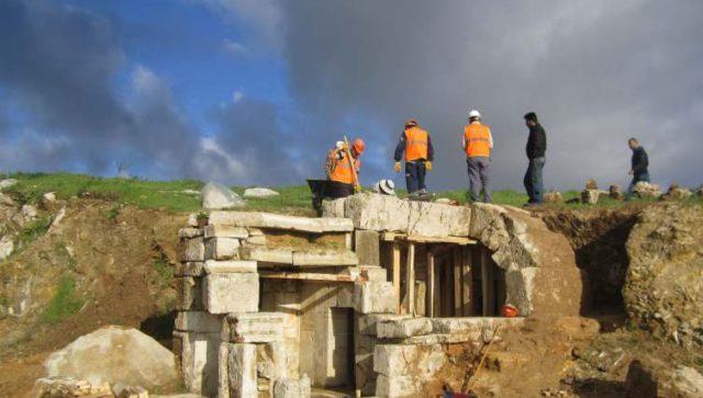 Milas Antik Mezar Odalarının Sökülmesi ve Yeniden Kurulması